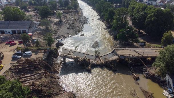 Wer trägt die Schuld an der Flutkatastrophe?