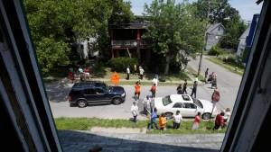 Polizei sucht nach dem Fund dreier Frauenleichen nach weiteren Opfern