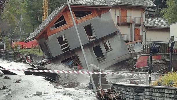Hilferuf vom Dach in Norditalien