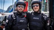 Zwei Rümpfe, zwei Männer: Boris Herrmann (links) und Pierre Casiraghi wollen vor allem Erfahrung sammeln.