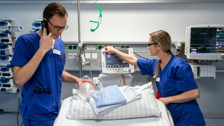 Gefragt wie nie: freie Betten wie dieses auf der Intensivstation des Corona-Zentrums im Marienhospital in Arnsberg