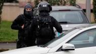 Polizei durchsucht Wohnung des Orly-Attentäters