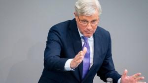 Röttgen und Weber sehen russische Beteiligung an Zwangslandung