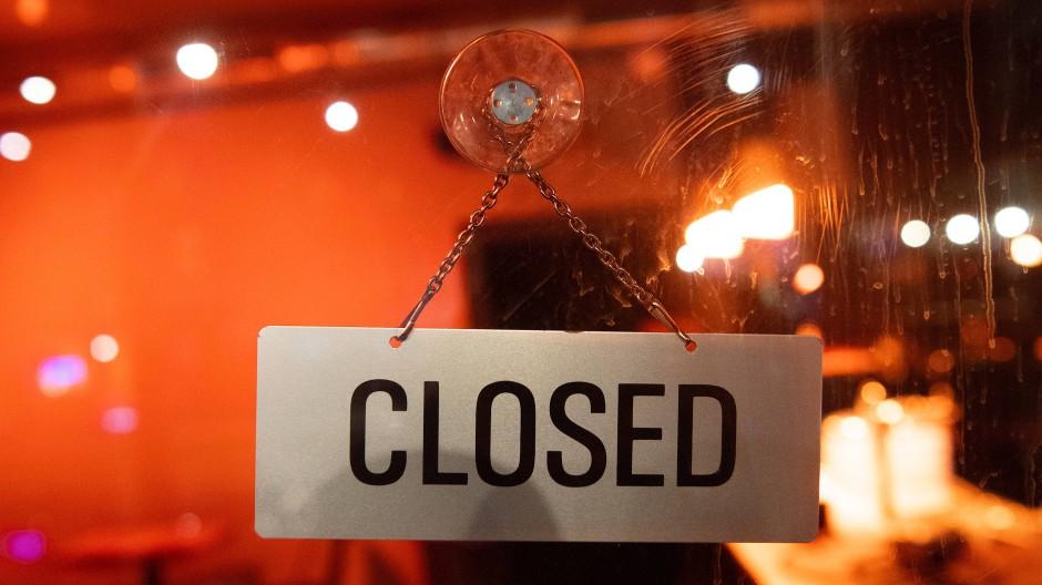 Viele Geschäfte bleiben wegen der Pandemie weiter geschlossen.