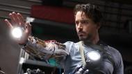 "Aus Mensch wird Maschine: Robert Downey Jr. in ""Iron Man""."