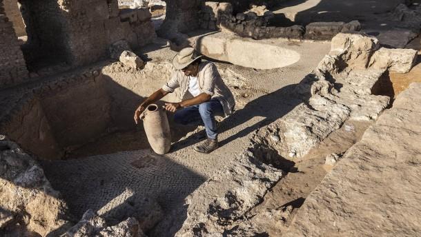 Antike Weinkelterei in Israel entdeckt