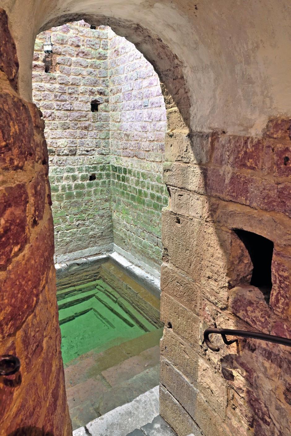 In elf MeternTiefe: Mikwe in Speyer,um 1120