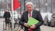 Bouffier sieht Koalition in Gefahr