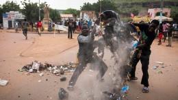 Heftige Proteste gegen Präsidenten