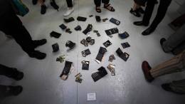 Ausstellung in Tokio stiftet Besucher zum Diebstahl an
