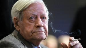 Helmut Schmidt erfolgreich operiert