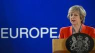 Theresa May will einen harten Kurs gegenüber der EU fahren.
