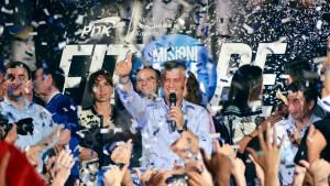 Regierungschef gewinnt Parlamentswahl