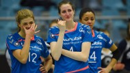 Tränen lügen nicht: Die Volleyballerinnen der VT Aurubis Hamburg – auch ihnen droht wegen fehlender Sponsoren das Bundesliga-Aus.