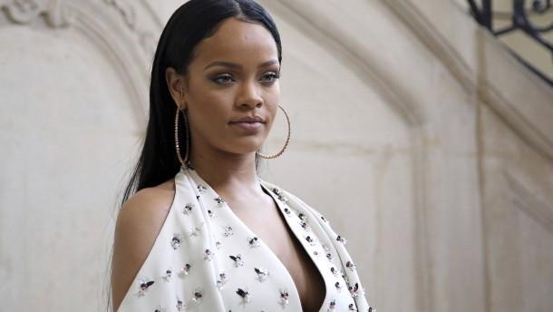 Gefälschte Nacktbilder von Rihanna
