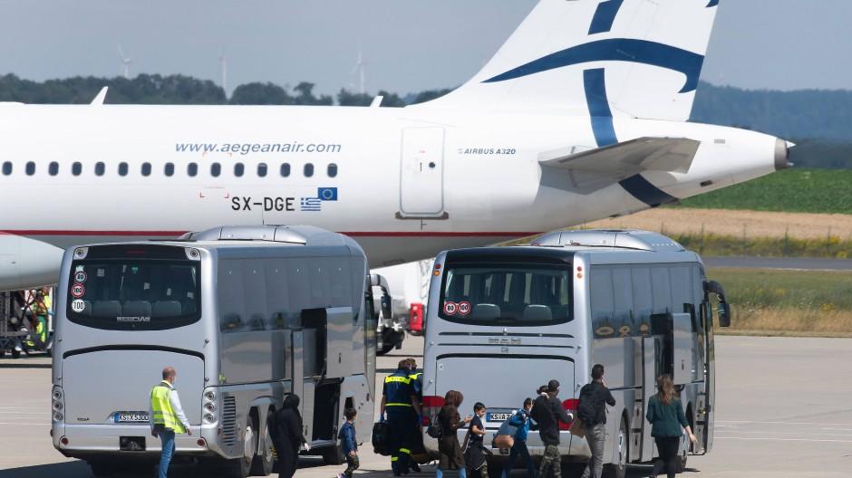 Ankunft: Die Geflüchteten sollen am Donnerstag in Hannover landen. (Symbolbild)