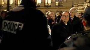 """Hollande: """"Mit Geißel des Terrorismus noch nicht fertig"""""""