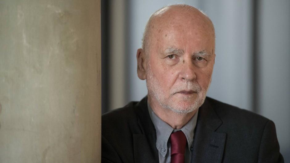 """Thomas Huber liest """"Autorenlesung"""" von Adam Zagajewski"""