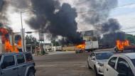 Brennende Fahrzeuge in Culiacán