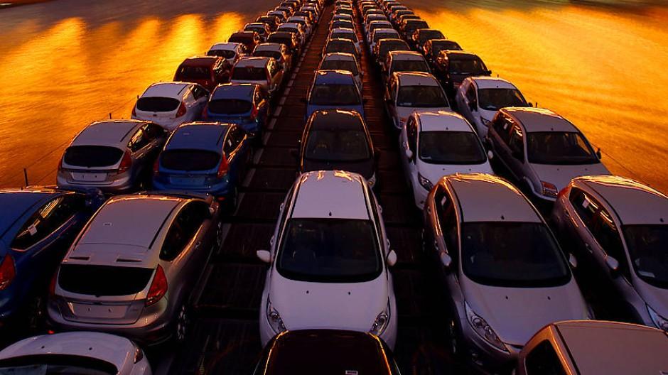 Deutschland hat 2016 Waren im Wert von 1,2 Billionen Euro exportiert. Nach wie vor zieht die Autobranche.