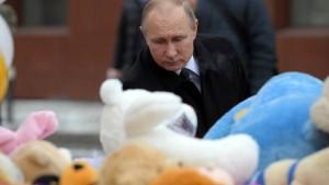 Putin übt scharfe Kritik nach Brandkatastrophe