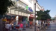 Vor dem Umzug: Die Buchhandlung Thalia verkauft ihre Bücher bald im Forum Hanau.