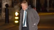 Der frühere britische Außenminister Boris Johnson am Montag auf dem Weg zu einem Treffen mit Premierministerin Theresa May
