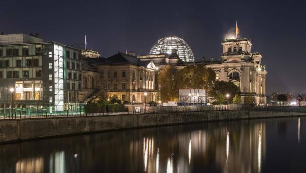Quelle für Enthüllungen im Bundestag vermutet