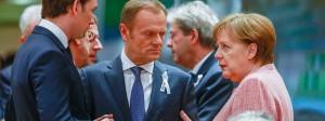 Bundeskanzlerin Merkel im Gespräch mit dem österreichischen Außenminister Kurz (l.) und dem EU-Ratspräsidenten Tusk