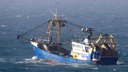 Johnson schickt Marine zur Ärmelkanal-Insel Jersey