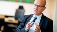 Der Ostwestfale Ralph Brinkhaus, 51, ist seit knapp zwei Jahren Vorsitzender der CDU/CSU-Bundestagsfraktion.