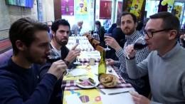 Franzosen heißen Beaujolais Nouveau willkommen