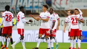 HSV übernimmt Tabellenführung
