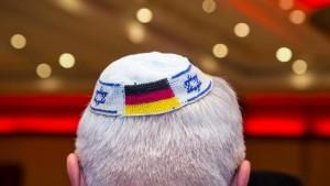 Einbürgerung von NS-Verfolgten soll leichter werden