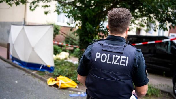 Polizist vor tödlichem Schuss mit Messer angegriffen