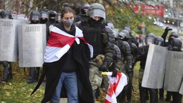 Hunderte Oppositionelle in Belarus festgenommen