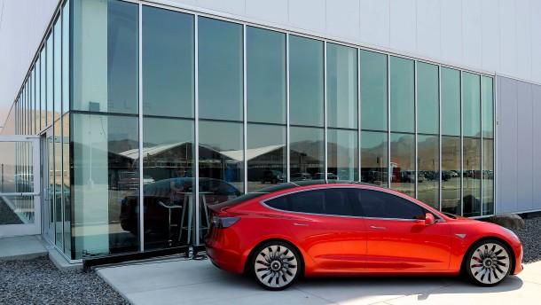 Tesla wieder mit hohen Verlusten