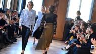 Show von Antonia Goy im Berliner Mode Salon bei der Modewoche 2017.