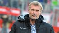 """Bodenständig: Rudi Bommer führt die """"Eintracht-Connection"""" an."""