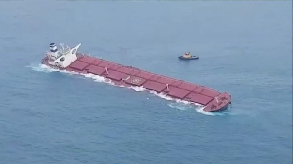 Frachter mit 300.000 Tonnen Roheisen auf Grund gelaufen