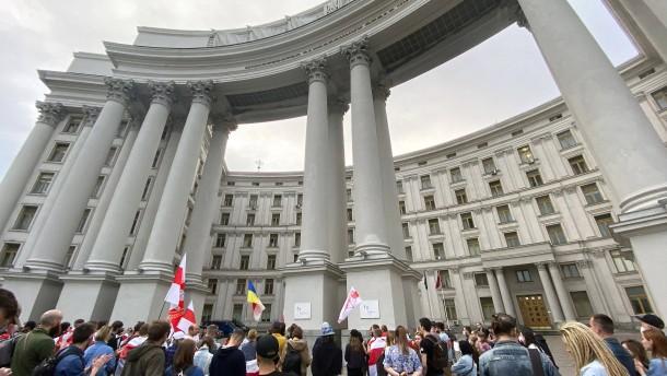 Von der Leyen droht Belarus mit Sanktionen