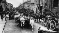 Einzug österreichischer Truppen in Lublin. Truppen unter General von Mackensen am 30. Juli 1915.