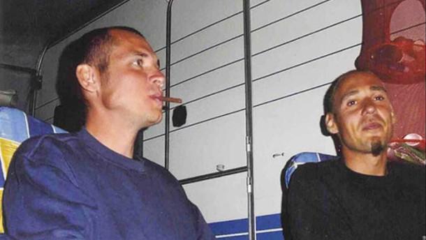 Patronenhülsen, Rauch und Rußspuren
