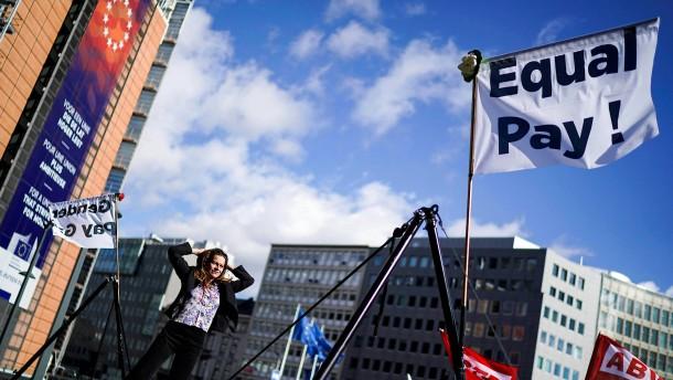 """EU-Kommission will Frauenquote """"wiederbeleben"""""""