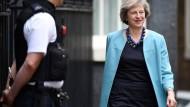 Theresa May gewinnt erste Abstimmung