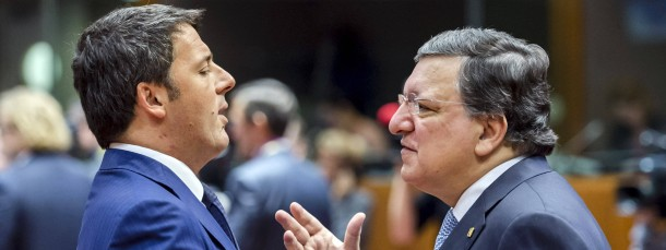 Deutliche Worte: Der scheidende Kommissionspräsident Barroso (rechts) ist verärgert über Ministerpräsident Renzi (links).