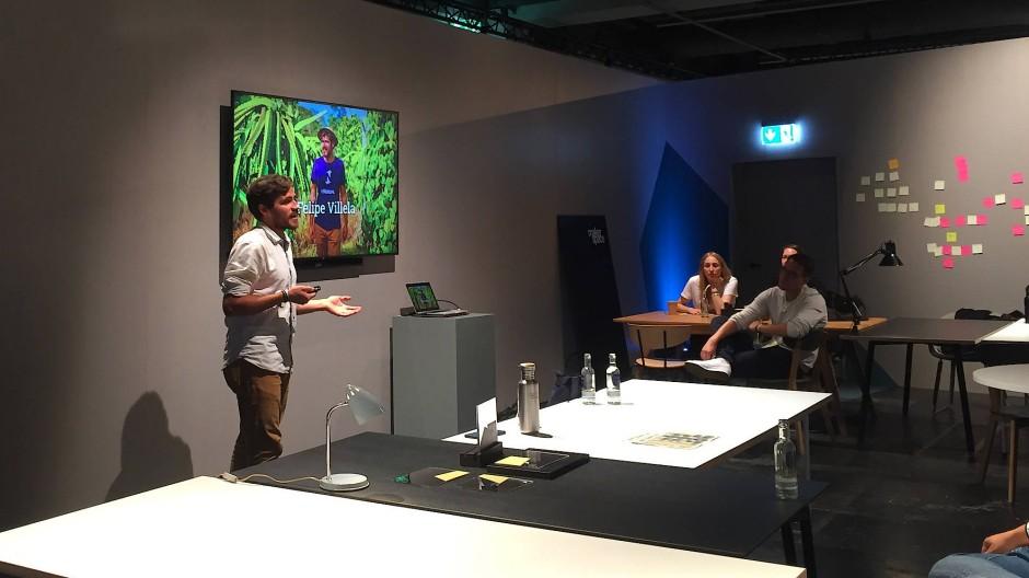 Felipe Villela spricht auf dem Me Convention in Frankfurt über nachhaltige Landwirtschaft.