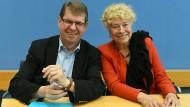 """""""Powerduett"""": Gesine Schwan und Ralf Stegner bei der Vorstellung ihrer Ideen am Freitag."""