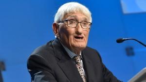 Alarm unterbricht Habermas-Vortrag in Frankfurt