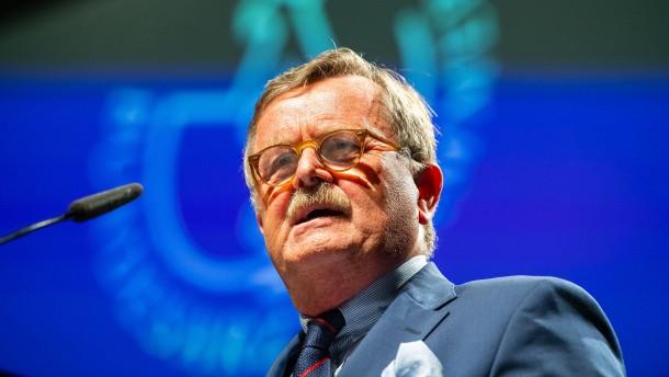 Weltärztepräsident kritisiert Maskenpflicht